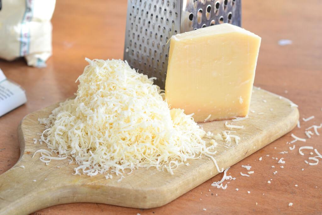 Afbeeldingsresultaat voor parmezaanse kaas