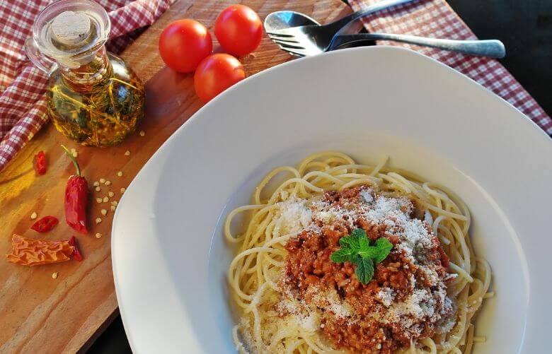 Deze heerlijke pasta met gehakt en zongedroogde tomaatjes for Pasta tipica italiana