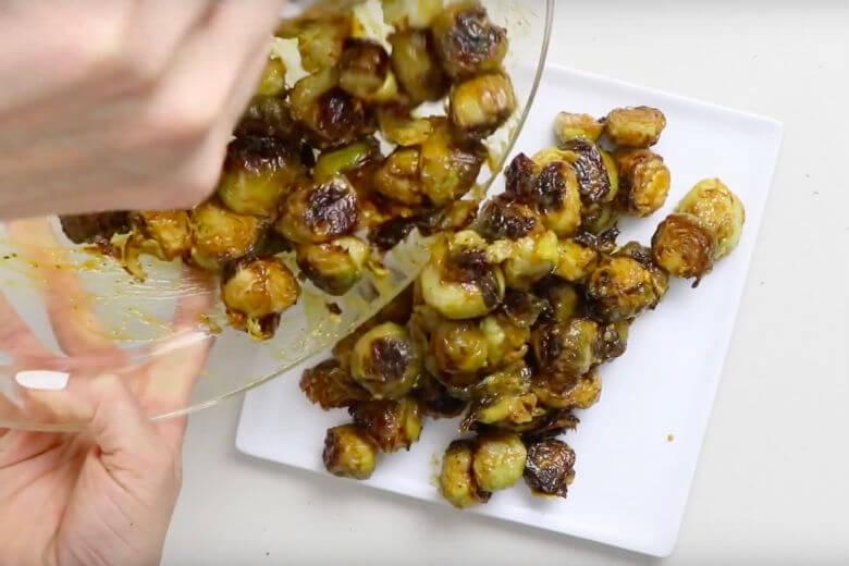 spruitjes met honing-mosterdsaus